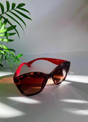 Солнцезащитные очки красные тигровый принт