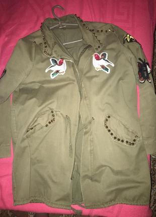 Куртка- ветровка)