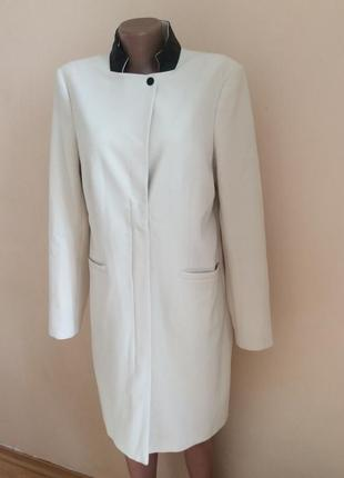 Красивое легкое пальто люкс бренд oui