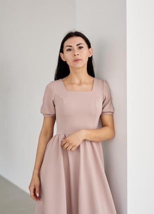 Классическое простое летнее платье миди