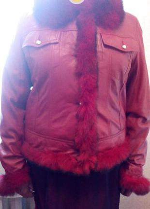 Кожанная красная фирменная куртка