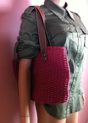 Трендовая плетёная сумка