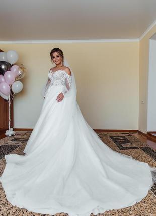 Продаю свадебное платье 👸🏼возможен торг👌