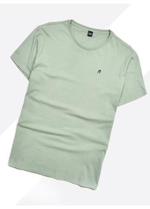 Replay xl/xxl* / базовая футболка с вышивкой лого на груди бледно-зелёная