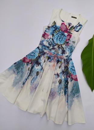 Платье миди на стройную девушку цветочный принт