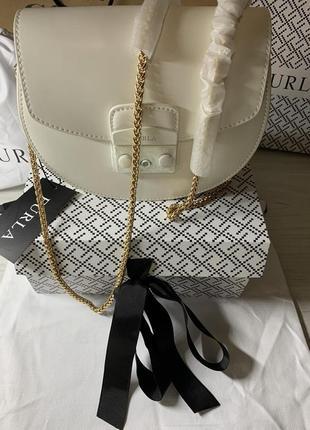 Акция женская кожаная сумочка белая furla metropolis mini crossbody saddle bag white