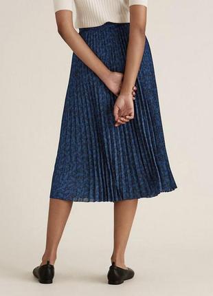 Плиссированная юбка миди в принт листочки