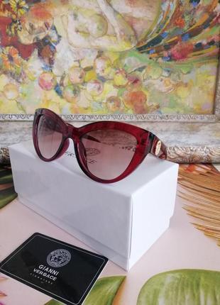 Модные красные брендовые солнцезащитные женские очки лисички 2021 с визиткой в фирменной коробке