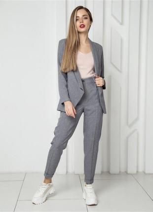 Женский классический костюм с брюками двойка