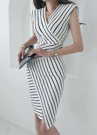 Облегающее платье-карандаш