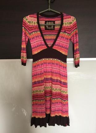 Стильное яркое летнее платье edc