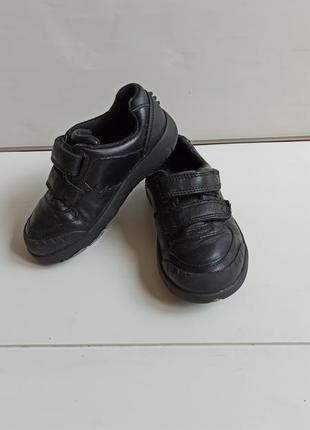 Кожаные кроссовки clarks р.25