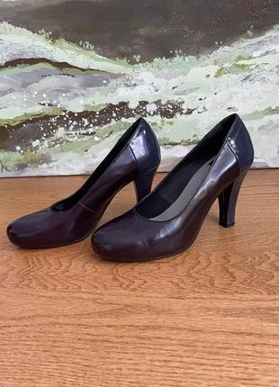 Туфли лаковые vagabond 37 рр