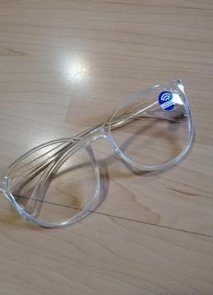 Прозрачные имиджевые очки