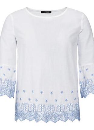 Хлопковая блуза с перфорацией и вышивкой