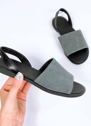 Кожаные замшевые сандалии. наложка