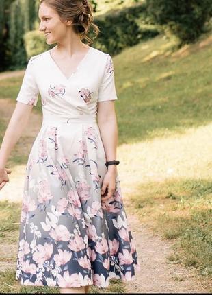 Платье в цветочек длины миди турецкое