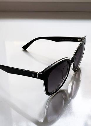Женские солнцезащитные очки люксоптика3 фото
