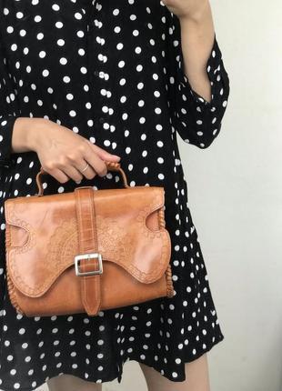 Кожаная сумка с орнаментом
