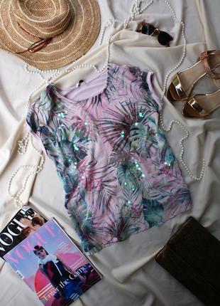 Актуальна футболка блузочка з листям принт листья нова колекція від tu