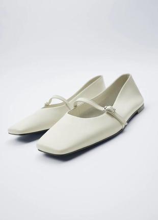 Кожаные туфли с квадратным носком zara