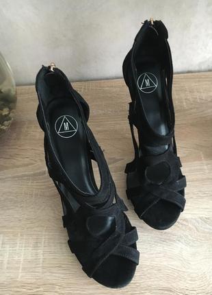 Шикарные босоножки на шпильке распродажа б/у обувь по 100грн