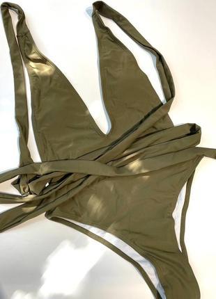 Сдельный купальник с завязками хаки