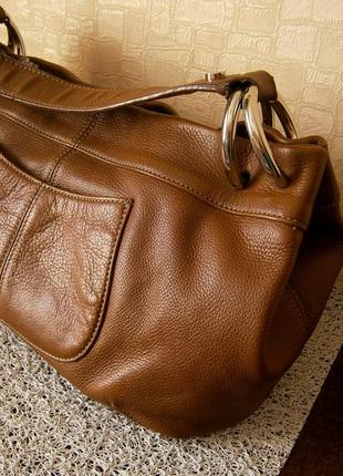 Стильная сумка кросс-боди из натуральной кожи. tignanello