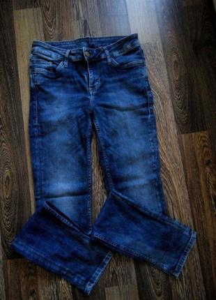 Красивые женские джинсы