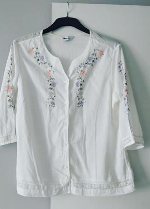 Белая блуза вышиванка damart
