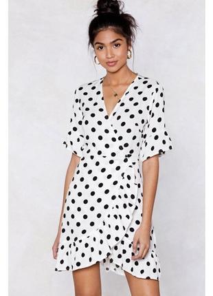Платье в горошек на запах nasty gal размер l