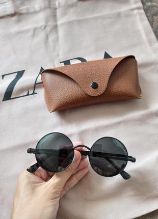 Солнцезащитные поляризационные очки.