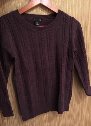 Тёплый свитер темно-сливового цвета