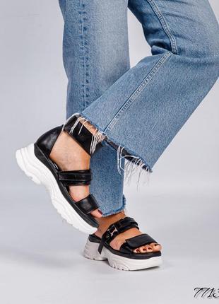 Кожаные спортивные женские босоножки на платформе натуральная кожа сандалии на липучках