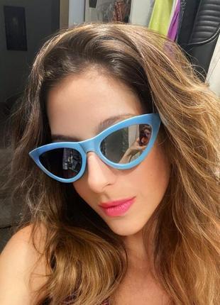 Тренд голубые зеркальные очки солнцезащитные кошечки лисички ретро узкие окуляри блакитні