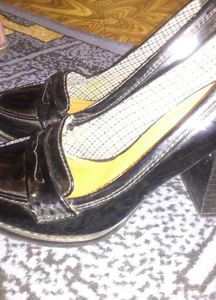 Супер модные лаковые туфли next 38 размер