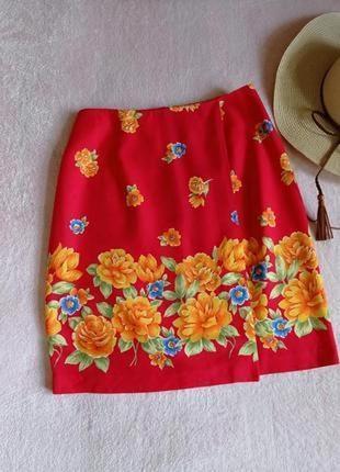 Яркая юбка с имитацией запаха сша