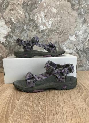 Jack wolfskin р.33-34 босоніжки шльопанці сандалі.