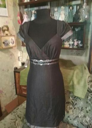 Летнее короткое платье с красивым лифом