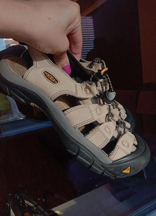 Женские трекинговые спортивные сандали