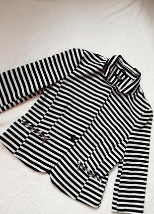Черно-белый пиджак в полоску дуохром 46 рр