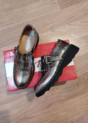 Потрясающие новые туфли tomfrie