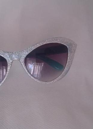 Стильные детские солнцезащитные очки place, на 2-4 года.
