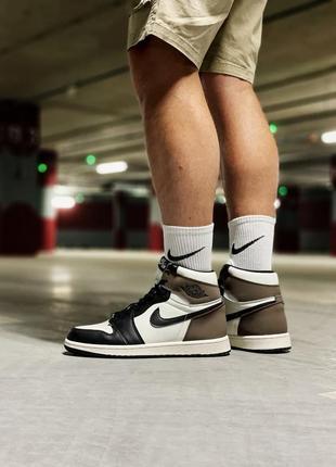 Шикарные кроссовки унисекс nike air jordan 1 retro mocha наложка