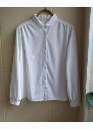 Белоснежная белая базовая блуза