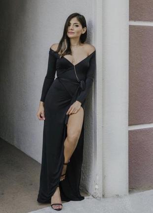 Класне чорне плаття на запах