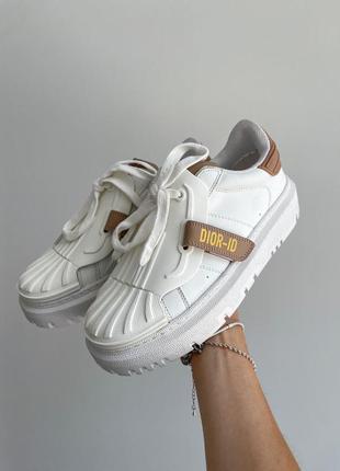 Кеды женские стильные брендовые белые с бежевой пяткой