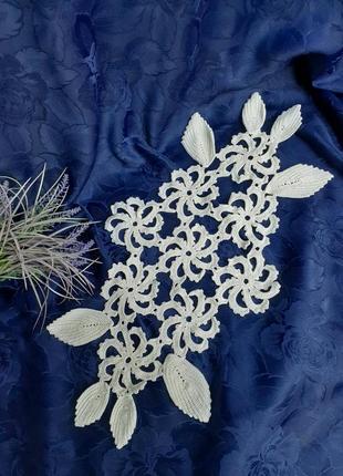 Салфетка дорожка связана крючком цветы крупная вязка винтаж ажурная