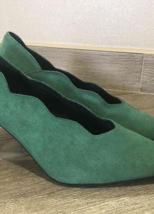 Замшевые туфли apart 40 р