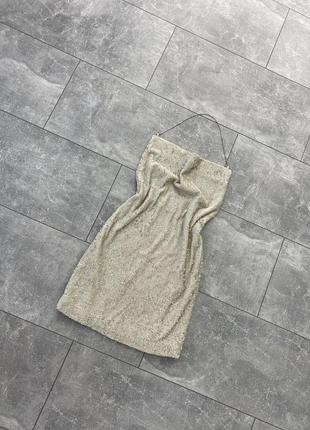 Платье в поедки